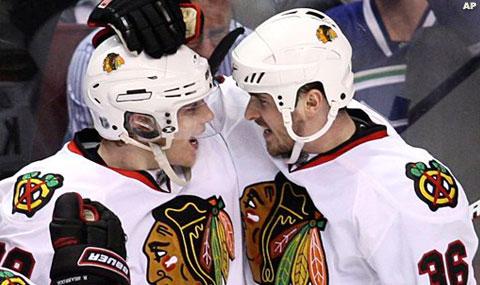 Bolland e Kane festeggiano dopo il terzo gol