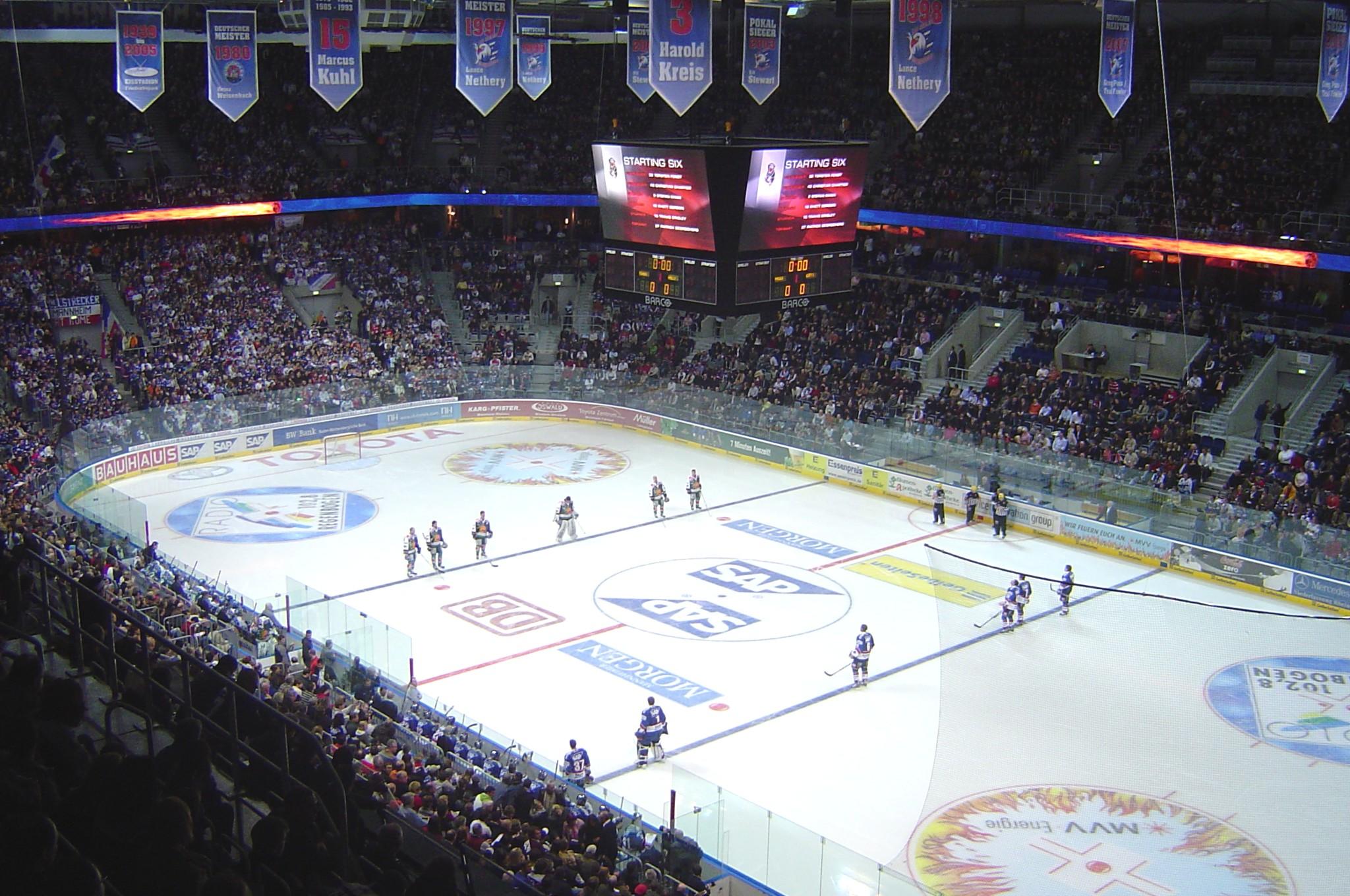 La SAP arena di Mannheim: con 13.600 posti, le Aquile fanno il tutto esaurito ad ogni partita