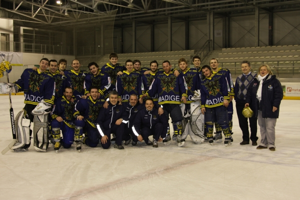 Foto di gruppo dopo la promozione dello scorso anno