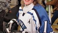 E' finlandese la ragazza benemerita dell'ingresso alla Hall of Fame della IIHF nell'anno 2009. Nata il 12 giugno 1973 a Jyväskylä, Riikka Nieminen ha realizzato 109 reti e 95 assist […]