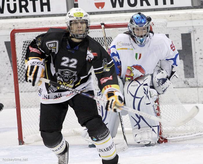 Daniela Klotz contro il Lugano nel girone di Coppa Campioni