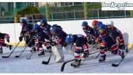 """di Lukas Sfruttando la settimana di pausa scolastica in Alto Adige (chiamata """"settimana Sharm""""), Dobbiaco Icebears e Bolzano Academy si accordano saggiamente per posticipare la prima partita di campionato ed […]"""