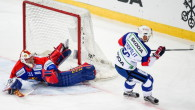 Adler Mannheim e Avtomobilist Yekaterinburg riscattano le sconfitte subite ai rispettivi esordi in Spengler Cup. I tedeschi conquistano l'intera posta in palio disputando una gara in rimonta sullo Jokerit, i […]
