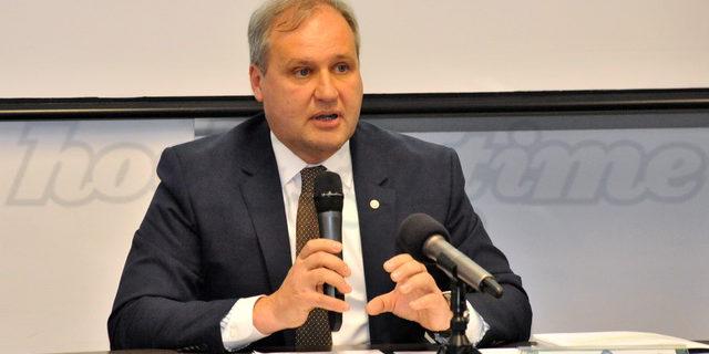 Andrea Gios è stato confermato per altri quattro anni alla guida della Federazione Italiana Hockey Ghiaccioed è già tempo di programmi, idee e progetti per rilanciare lo sport dell'hockey italiano: […]