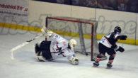 Il Milano Rossoblù apre il campionato con una sconfitta ai rigori. Immeritata per quanto mostrato sul ghiaccio, tuttavia gli uomini capitanati da Re posso recriminare per un goal annullato a […]