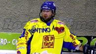 Thomas Dantone aveva appeso i pattini al chiodo lo scorso marzo, al termine della Pro Hockey Cup vinta con la formazione amatoriale del Fassa Falcons, tuttavia il richiamo del ghiaccio […]