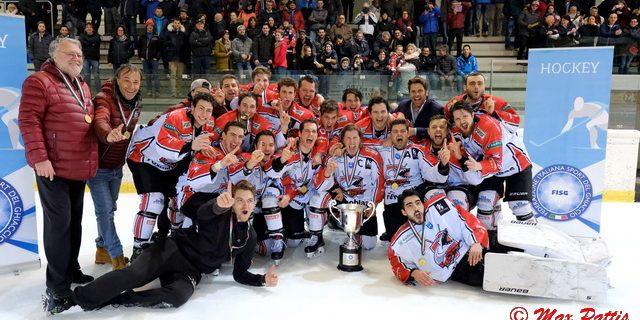 La Coppa Italia si rivela un ottimo antidoto al periodo negativo del Caldaro in Italian Hockey League. I Lucci battono il Merano il 5-1 ed ottengono la prima coccarda della […]