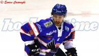 Nel silenzio generale il venticinquenne Channing Bresciani ha rescisso il contratto con il Fassa; la sua ultima apparizione in Alps Hockey League risale al 17 gennaio, quando i trentini scesero […]