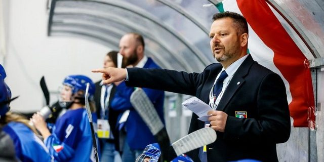 Dopo11 anni consecutividi guida tecnica,Marco Liberatorenon è più l'allenatore della Nazionale Senior Femminile.Il coach trentino, nel corso della sua permanenza alla transenna della squadra rosa,ha vinto due Mondiali. Il primo […]