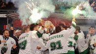 Con i risultati maturati nelle ultime tre partite, prima di Natale, nella Alps Hockey League, l'Olimpia di Lubiana aggancia la testa della classifica. Deludono i Rittner Buam che mostrano sul […]