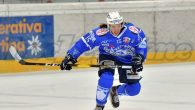 Dalla prossima stagione Mathieu Ayotte non farà più parte del roster del Cortina: la carriera del veloce attaccante canadese proseguirà nella serie cadetta francese con il Neuilly Sur Marne con […]