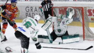 Dopo due combattute vittorie all'overtime, l'HK SZ Olimpija Ljubljana ha la possibilità di vincere il titolo della Alps Hockey League sabato nella sua pista di casa. Gli sloveni sarebbero la […]