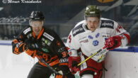 Il secondo tassello difensivo dell'HCB Alto Adige Alperia in costruzione è un gradito ritorno:Nick Plastinogiocherà la sua seconda stagione con la maglia dei Foxes. Il 35enne italo-canadese non ha bisogno […]