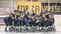 (Comun. stampa Mastini Varese) –All'esordio casalingo il Varese supera il Valdifiemme e si prepara al derby col Como Nel posticipo della prima giornata il ghiaccio di Varese si è tinto […]