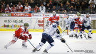 (Comun. stampa HC Bolzano) –Trasferta ungherese amara per l'HCB Alto Adige Alperia. Al Fehervar AV19 basta il goal di Janos Hari al 10:58 del primo tempo per avere la meglio […]