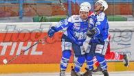 (Comun. stampa AHL) –Le prossime sette partite della Alps Hockey League saranno giocate tra martedì e mercoledì. Con cinque sfide internazionali, Bregenzerwald contro Kitzbühel è il solo incontro fra due […]